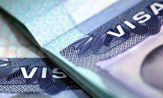 Embajada de los Estados Unidos anuncia cambios en proceso de visas para familias con hijos menores de 14 años