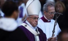 Papa reabre comisión sobre abusos sexuales ante escepticismo