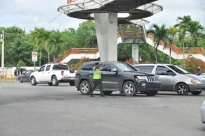 Amet justifica colocar agentes en semáforos