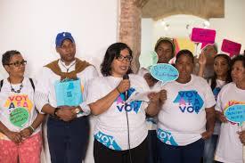 """Con la consigna """"Voy A Favor"""", cientos inician jornada de firmas para despenalizar el aborto en tres situaciones extremas"""