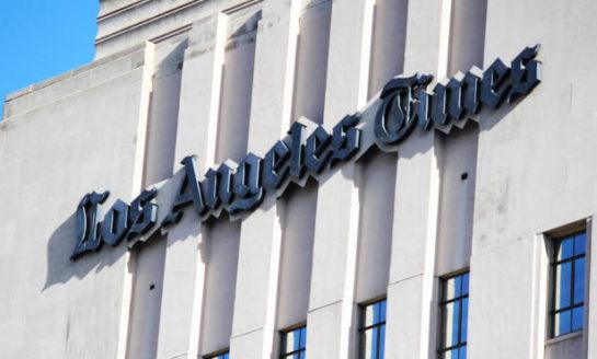 Multimillonario compra el Los Angeles Times por 500 millones