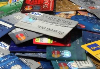 Sobrevivió el crédito plástico